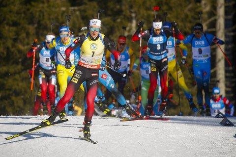 Johannes Thingnes Bø fra Norge deltar i 15 km fellesstart for menn under VM i skiskyting 2021 i Pokljuka.